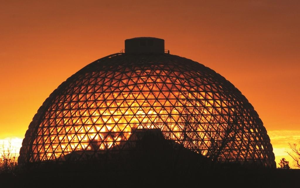 30 Dômes Géodésiques Incroyables - Le Desert Dome du zoo Henry Doorly à Omaha